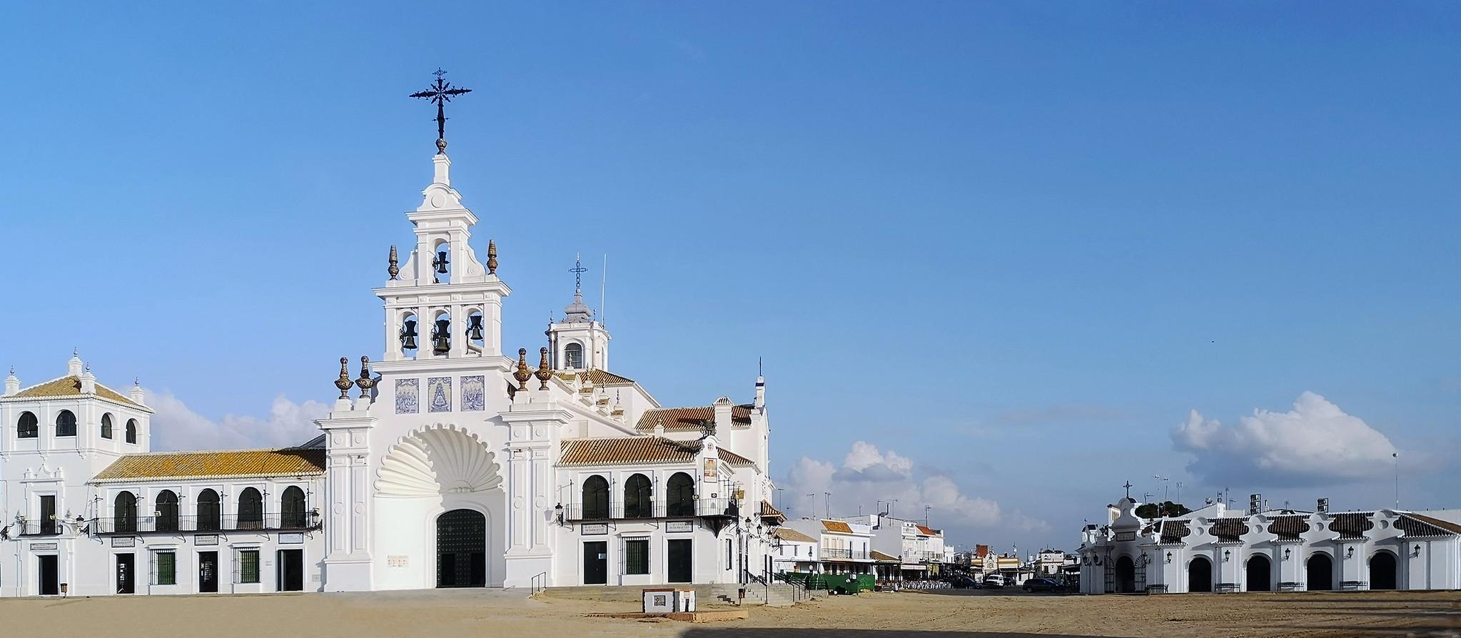 exterior Santuario de la Virgen del Rocio en Almonte Huelva