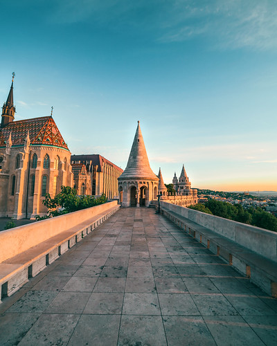 canon 5d markii samyang 14mm wide castle lines budapest hungary europe sunrise architecture gothic colorful view palace sky morning marble travel traveler traveling tisfortraveler tourist tourism backpacker digitalnomad exploration destination hdr historic landmark famousplace building