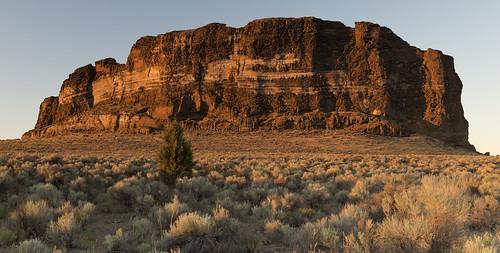 fortrock oregon easternoregon desert geologicalformations sunset goldenhour landscape highdesert