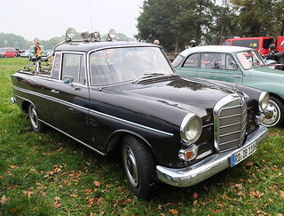 Mercedes-Benz W110 200 D Pickup