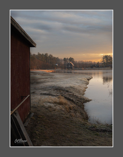 massachusetts sunrise newengland rural raw morninglight iphone8plus cranberrybog barn usa