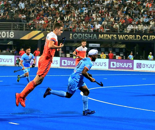 'Flying Dutchman' - Glimpses from the QF game yesterday.