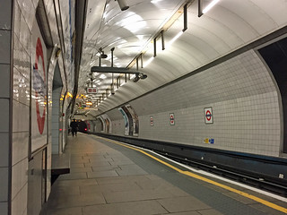 King's Cross station, Victoria line | by diamond geezer
