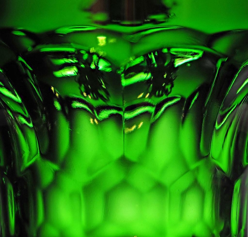 gläsern glass