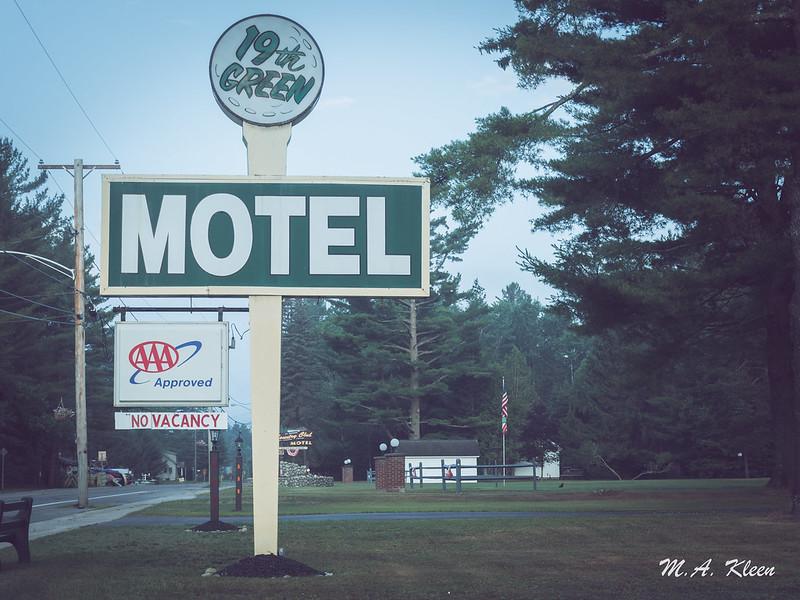 19th Green Motel