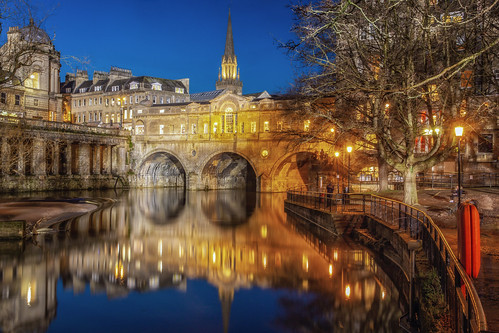 bath somerset bluehour bridge river avon city landscape landscapes landscapephotography landmark landmarks historic history blue gold colour rivers canon england efs1585mmisusm eos100d eos