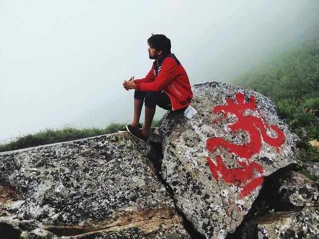 जिसे #मोह नही मायाजाल का वो भक्त ह महाकाल का . . . . #shiva #sankara #love #to #mountains #nature #himalayas #shrikhandmahadev #greenery #life #goals #soul #wild #timeforself #clouds  #feelthemoment #iamfateh #netgeo #traveldiaries #traveling #traveller #