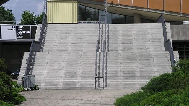 1956/57 Berlin-W. Freitreppe zu Schwangere Auster genannter Interbau-Kongreßhalle von Hugh Stubbins John-Foster-Dulles-Allee 10 in 10557 Tiergarten