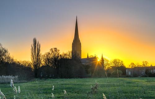 landscape sunrise sun sunburst cathedral spire salisbury wiltshire