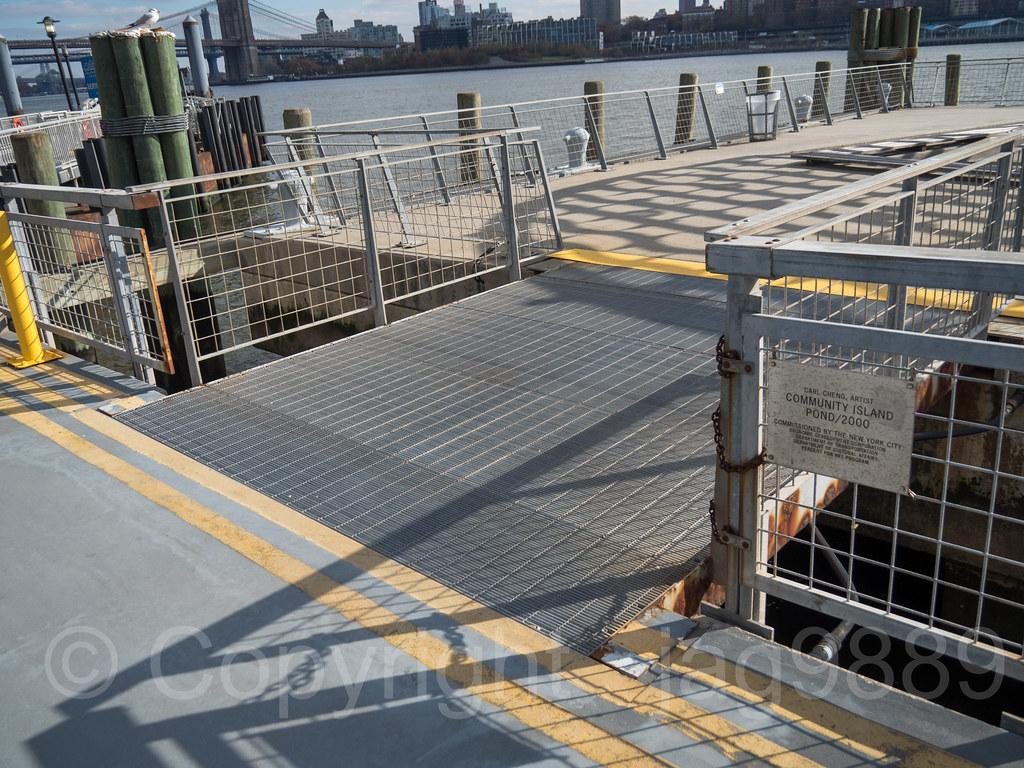 Community Island Pedestrian Bridge on the East River, Pier