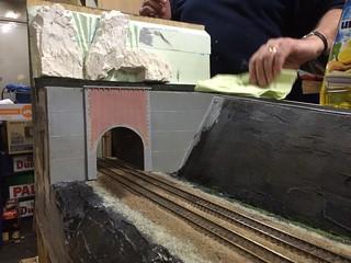 Presenteren van tunnelportaal à la Nessonvaux   by AMSAC Ghent