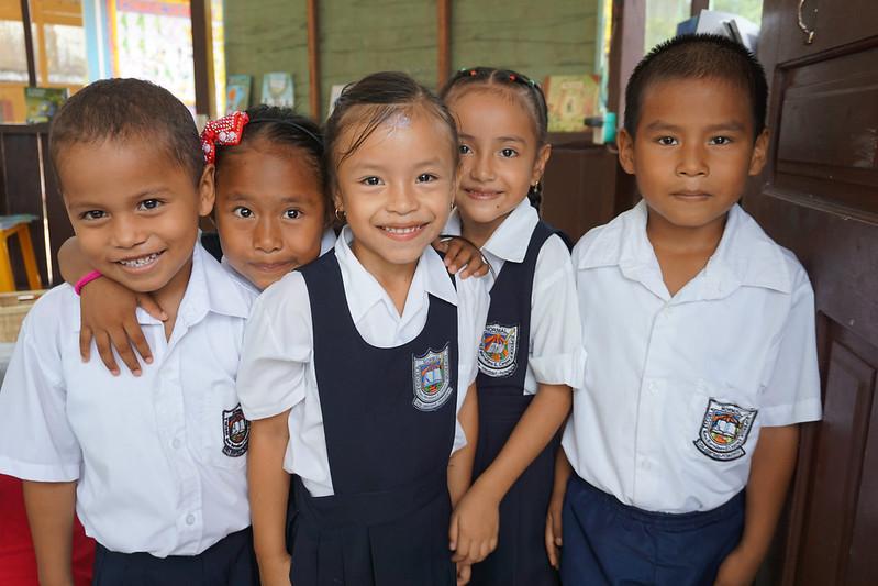 Entrega dotación al jardín infantil Rafael Pombo en Leticia