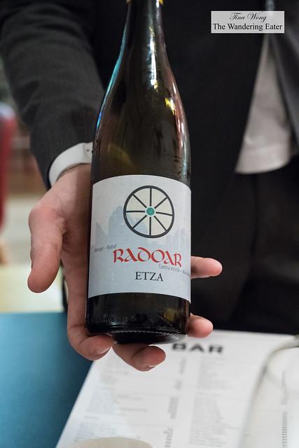 Radoar Etza wine