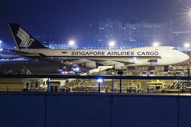 SINGAPORE AIRLINES CARGO B747-400F 9V-SFI 001