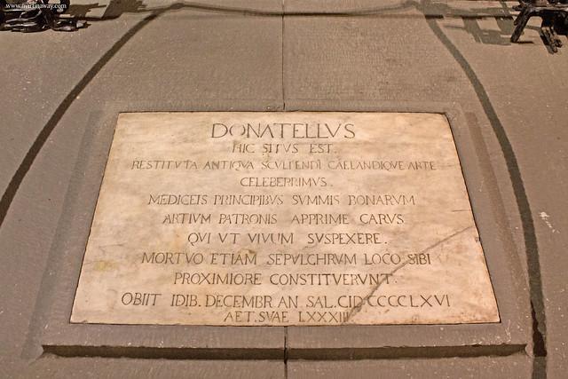 Complesso di San Lorenzo: tomba di Donatello