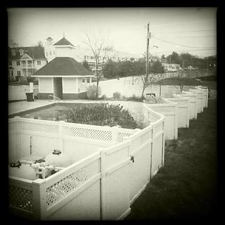 Wavy fence | by dschirf