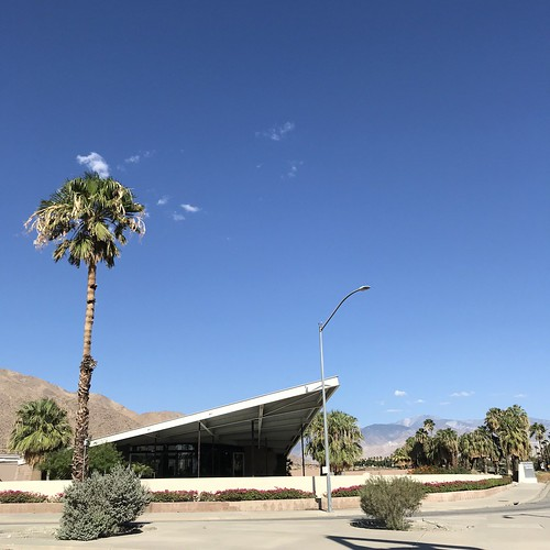 Picturesque Palm Springs - Photos by Greg Tormo for Retro Roadmap | by Mod Betty / RetroRoadmap.com