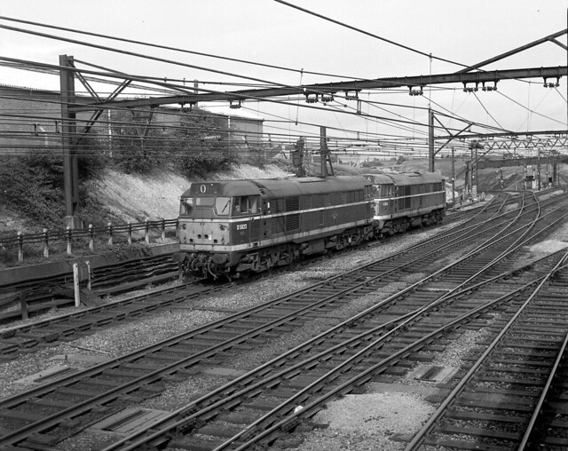 Class 31s D5623 and D 5858