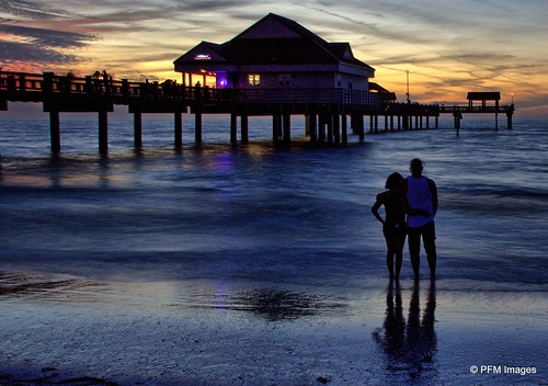 sunset couple romance pier pier60 clearwater beach ocean waves sand water coast coastal gulfofmexico outdoor sky clouds vacation flickr canon eos slr rebel t1i florida people