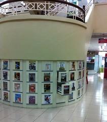 Simpanan Majalah Mengikut Cover Display Kabinet