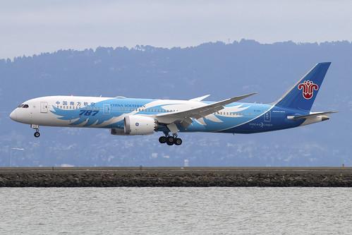 b1128 china southern airlines chinasouthernairlines boeing 7879 dreamliner sanfrancisco san francisco international airport sfo ksfo usa california ca john boulin