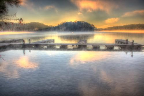 ronmayhew canoneos5dmarkiv lakelanier littlehallpark dock sunrise lake water reflection cloud fog