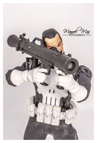 "Mezco ONE:12 - MDX: Punisher ""Special OPS"" 