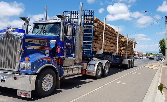 Kenworth, ( Game ON ) of TFA Holdings in Longford Tasmania. H 58 MU