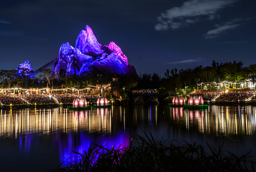 Everest at night RoL AK