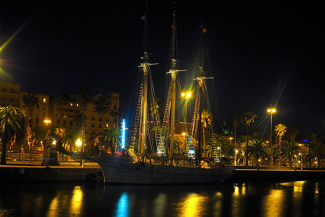 Port Vell - a la nit  ♪♫
