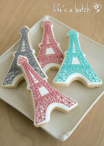 Colored Eiffel Tower cookies. | by navygreen