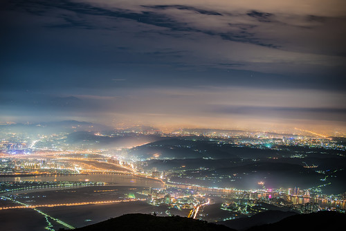 taiwan taipei datunmountain light nightview glasslight scenery outdoors cloud sky 台灣 台北市 大屯山 陽明山國家公園 琉璃光 雲霧 yangmingshannationalpark