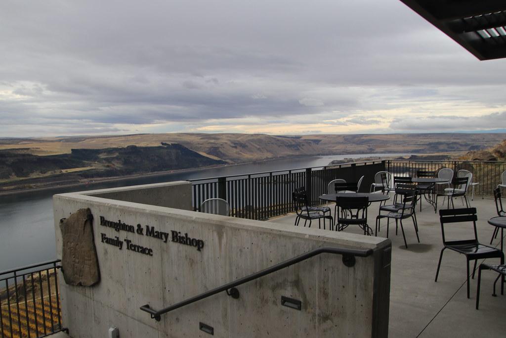 Exterior Pictures of the Maryhill Museum of Art (Goldendal