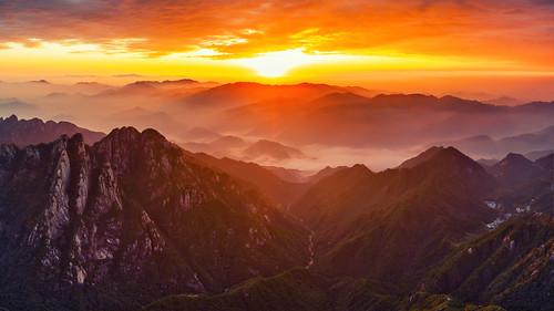 sunrise dawn huangshan mountain drone mavic2pro clouds seaofclouds burning china
