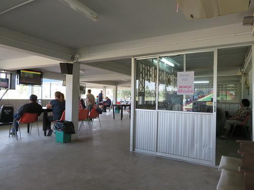 チェンマイ競馬場のクーラー付特観席