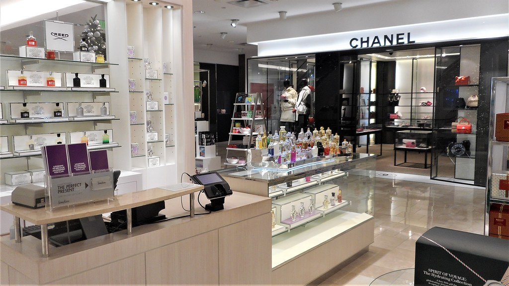 707501ad39e3 ... Creed Cosmetics and Chanel handbag and accessories at Neiman Marcus in  Bellevue