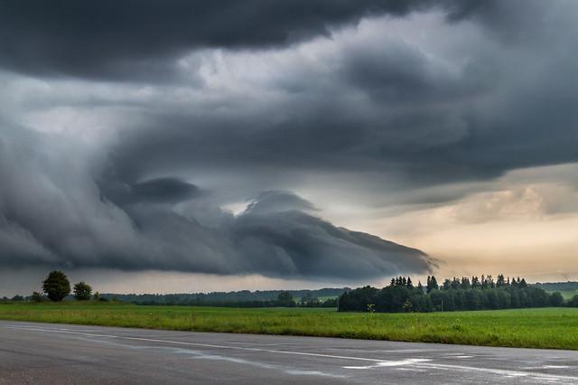 Pilvekoletis/Sky Monster
