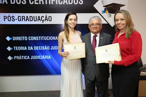 Solenidade de Entrega dos Certificados das Pós-Graduações (28)
