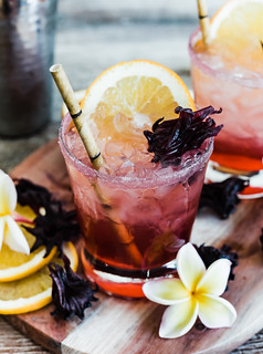 Sparkling Spiced Hibiscus Cocktail www.pineappleandcoconut.com | by PineappleAndCoconut