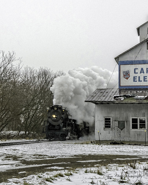 1225 roaring past the Carland Elevator