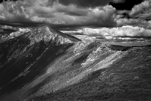 monochrome bw blackandwhite mountlincoln littlehaystack hiking trail mountain rocks forest alpine summit elevation landscape summer park canon 6d whitemountain nationalforest franconiaridge franconianotch statepark newhampshire newengland