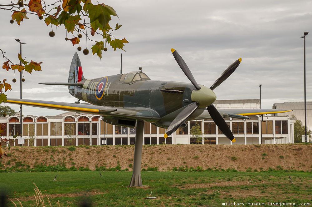Музей королевских ВВС в Лондоне (Royal Air Force Museum London)
