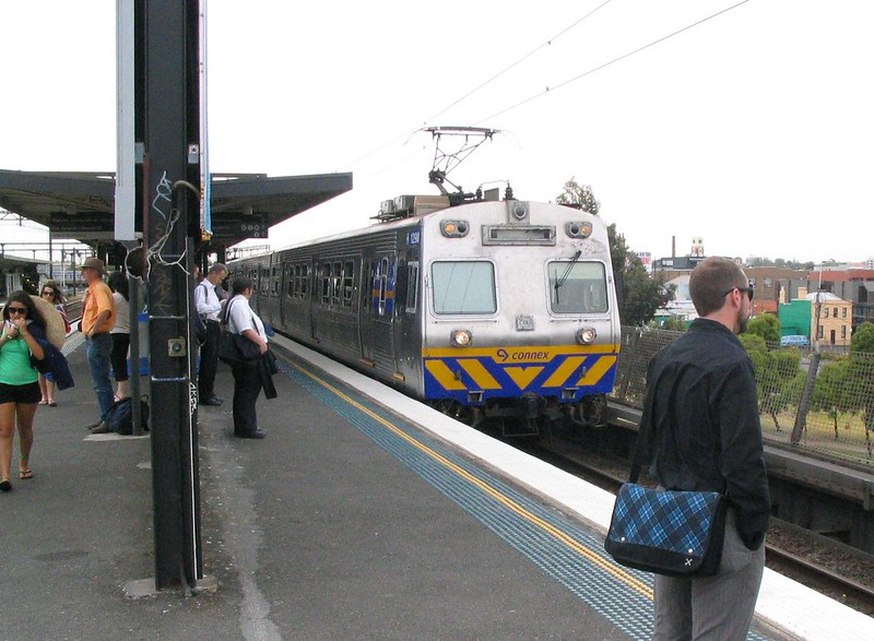 Hitachi train at Richmond, January 2009