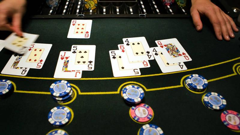 Сотрудники интернет казино  Бесплатное онлайн казино вулкан