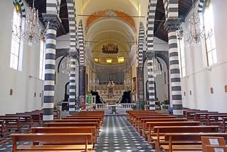 Italie, les Cinque Terre, intérieur de l'église de Monterosso