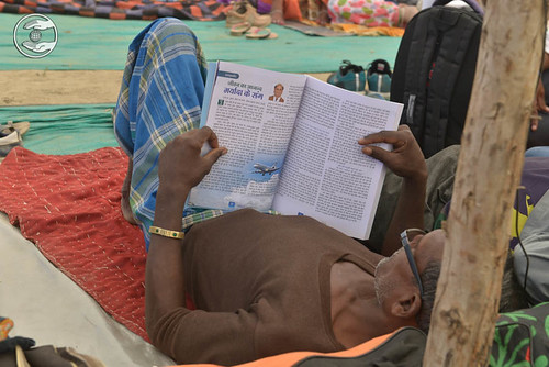 Devotees are relishing Nirankari Magazine