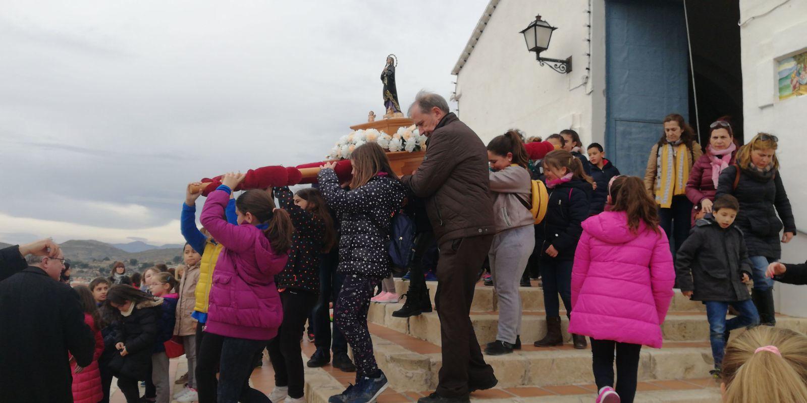 (2018-03-23) II Vía Crucis Infantil (Catequistas) (18)