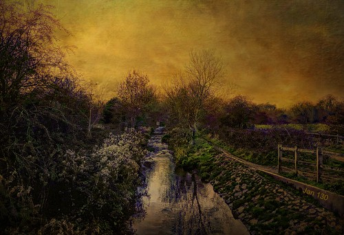 jan130 stream brook creek sunset fence water texture winter2018 newhallvalleycountrypark walmleywest midlands englanduk landscape