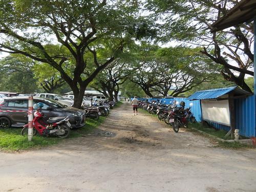 チェンマイ競馬場の駐車場