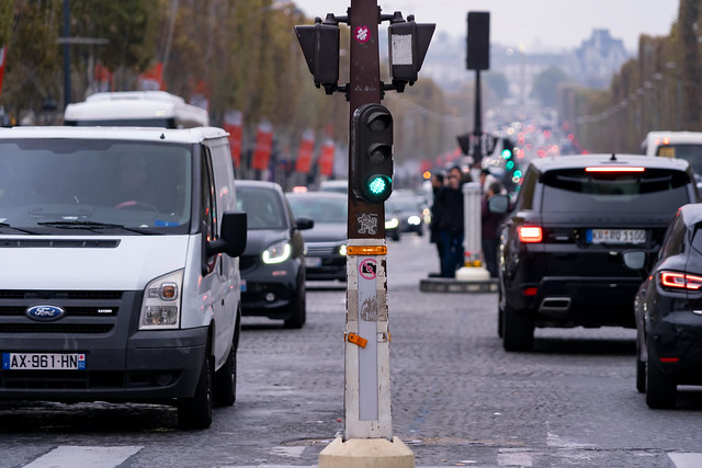 Champs Élysées traffic...